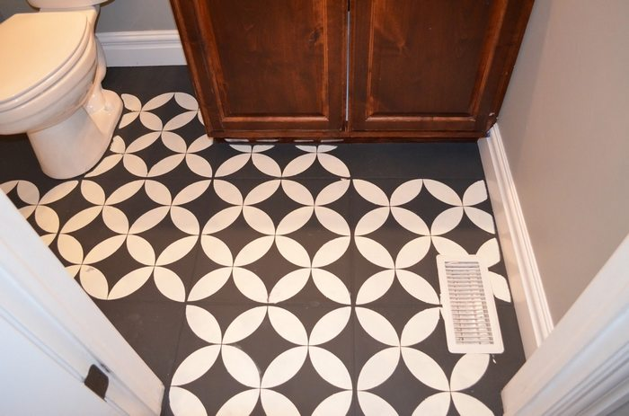 Give your bathroom a new look by chalk painting floor tiles!
