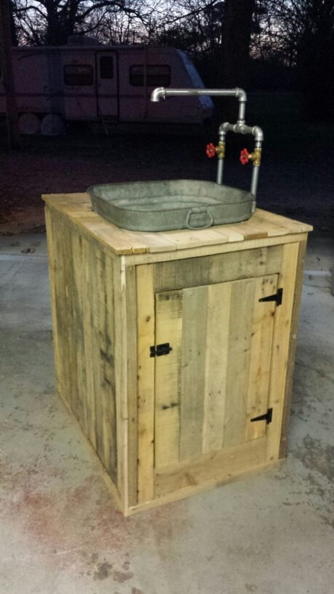 Turn a wooden cable spool into an outdoor kitchen or ...