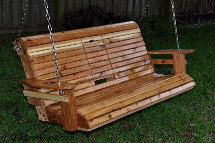 Build a wood porch swing with cup holders diy projects for everyone diy porch swing bench with cup holder solutioingenieria Image collections