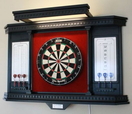 DIY outdoor dart board stand