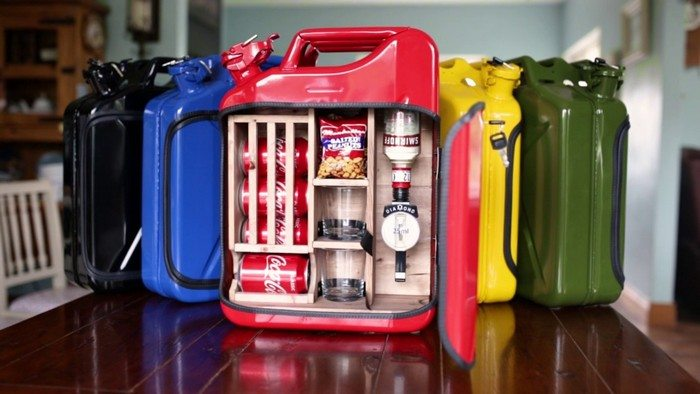 These portable mini bars made out of jerry cans are good for travels.