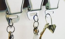 DIY Seat Belt Buckle Key Holder