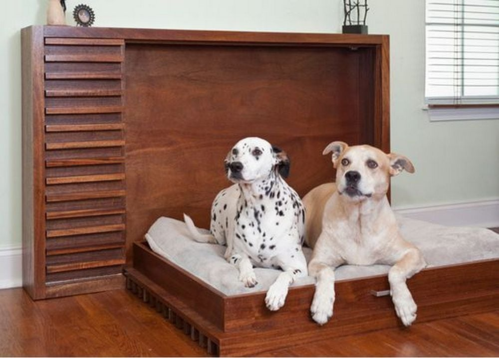 This pet murphy bed is easy to stow away after using, all it takes is one lift!