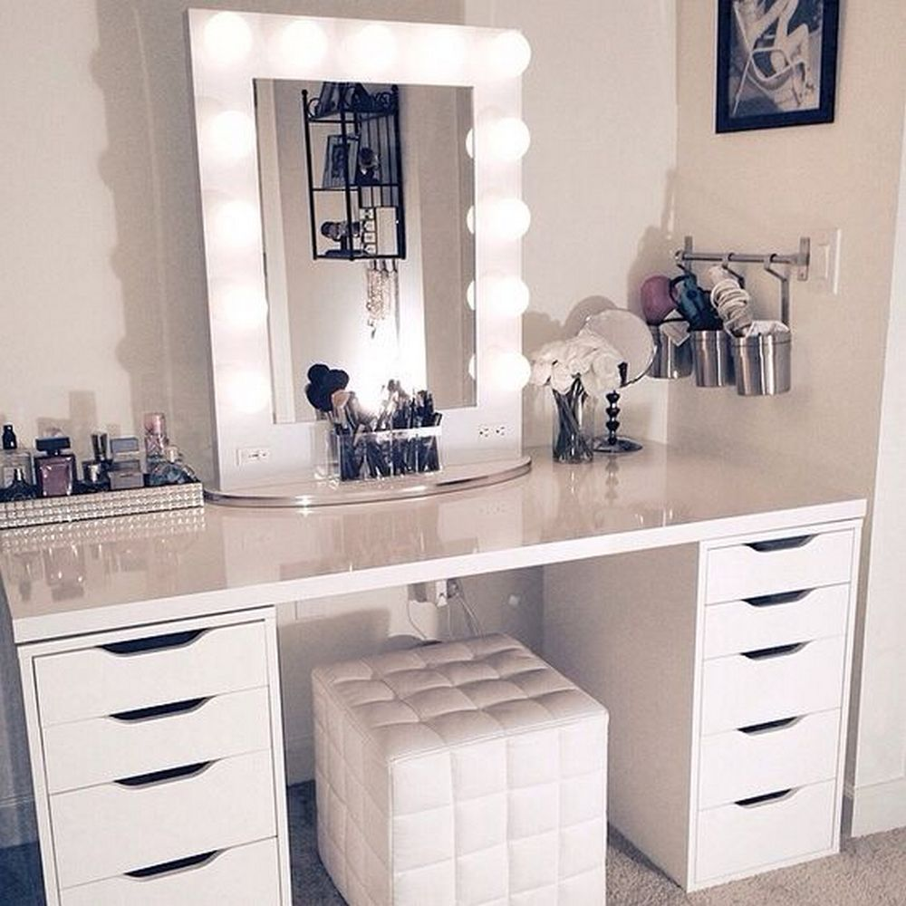 Diy Hollywood Lighted Vanity Mirror