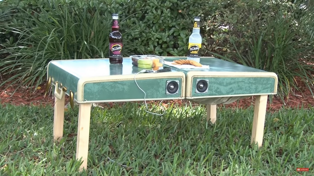 Here's a picnic table that doubles as a picnic basket. Talk about major convenience!