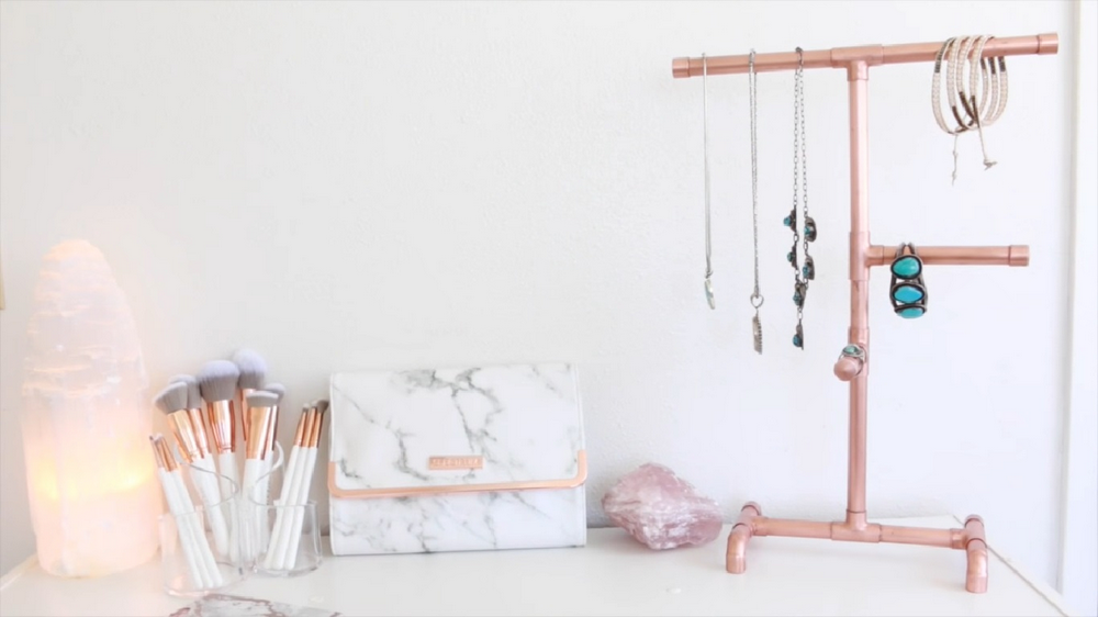 The best thing is, it's very easy to make this copper pipe jewelry organizer!