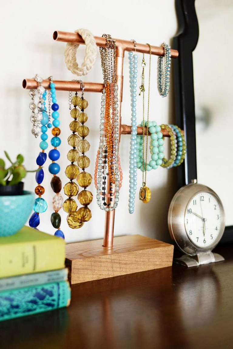 DIY Copper Pipe Jewelry Organizer