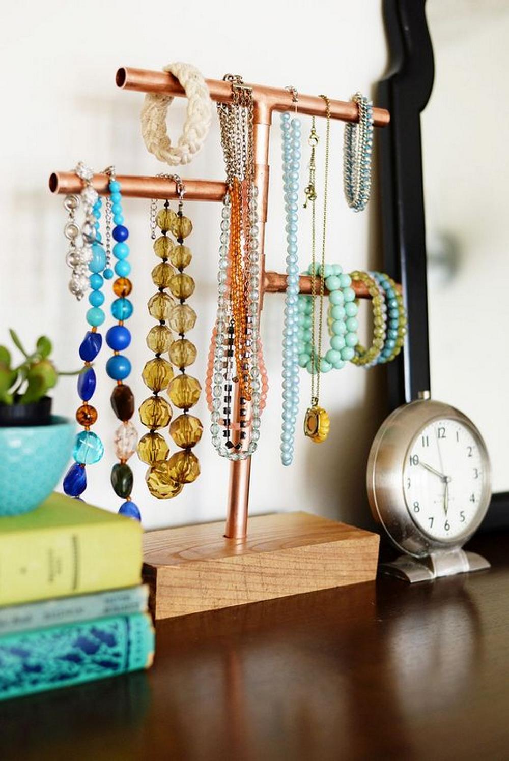 DIY Copper Pipe Jewelry Organizer